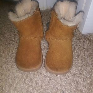 Toddler 4/5 UGG boots